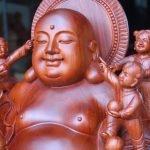 Tượng Phật Di Lặc Và Tượng Ông Thần Tài