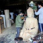 """Giữ """"lửa nghề"""" tượng Phật"""